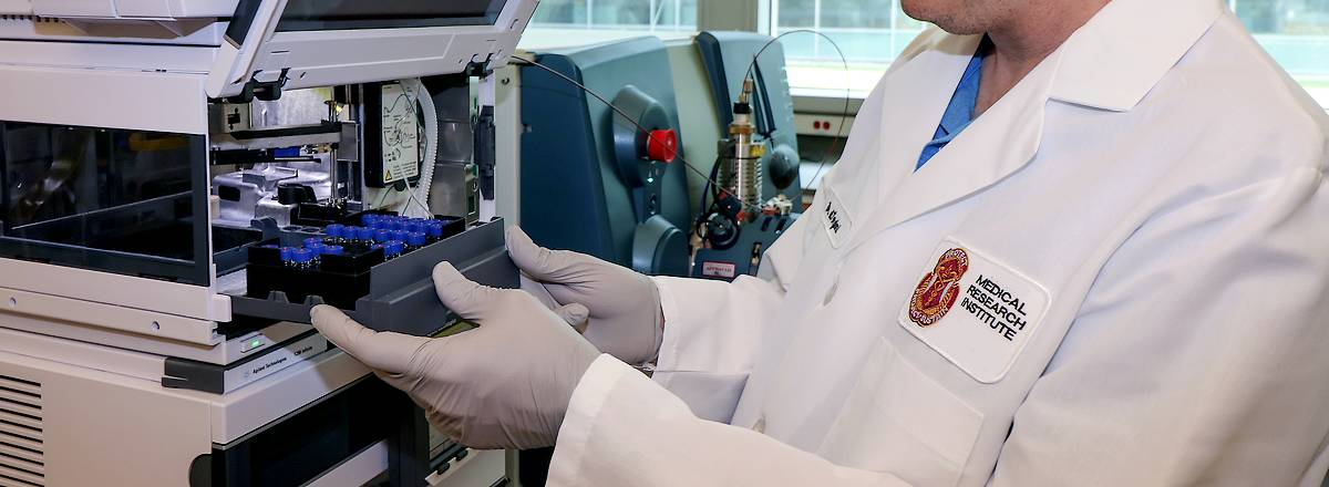 Medical research in dental laboratory